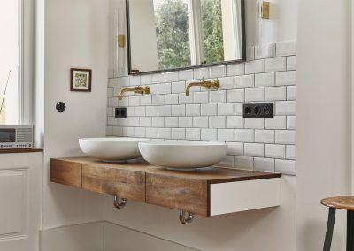 Details Waschtisch im Bad in Altbauwohnung