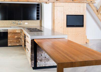 Die Arbeitsfläche der Küche Natur x Black