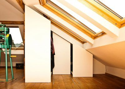 Einbau Kleiderschrank für Dachschräge